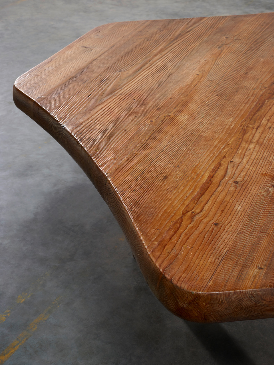 Galerie Downtown Six Sided Table Galerie Downtown - Six sided table